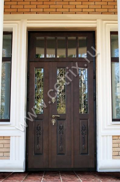 металлические двухстворчатые входные двери в коттедж
