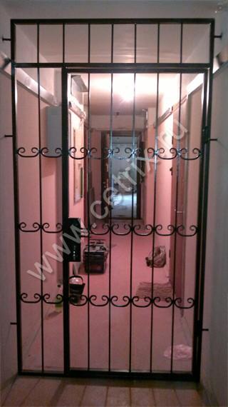 дверь решетка железные